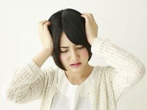 頭痛の画像-thumb-400x300-694